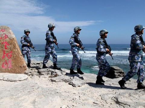 Hải quân Trung Quốc đi tuần tại Đảo Phú Lâm thuộc Quần đảo Hoàng Sa ngày 29/1/2016