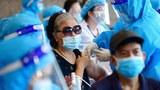 Một phụ nữ đang được chích vắc xin Covid-19 tại Hà Nội vào ngày 10 tháng 9 năm 2021.