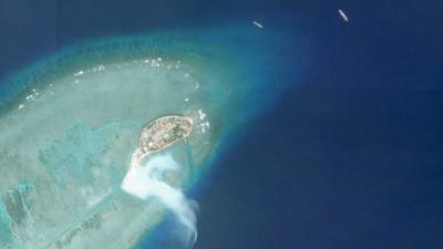 Hình ảnh vệ tinh cho thấy hoạt động cải tạo đang diễn ra ở mũi phía Nam của đảo Phan Vinh trên Biển Đông hôm thứ Sáu tuần trước