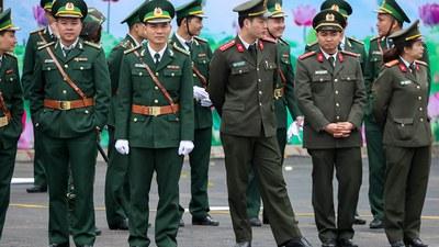 Ảnh minh họa: Các sĩ quan quân đội VN tại Đồng Đăng trước đây.