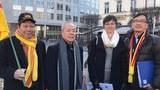 Hình minh họa. Dân biểu Nghị viện Châu Âu bà Saskia Bricmont (thứ hai từ phải sang) cùng những người biểu tình phản đối EVFTA bên ngoài tòa nhà Nghị viện Châu Âu ở Bruxelles, Bỉ