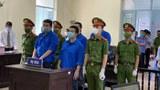 Năm thành viên nhóm Báo Sạch đang bị Tòa án Thới Lai xét xử