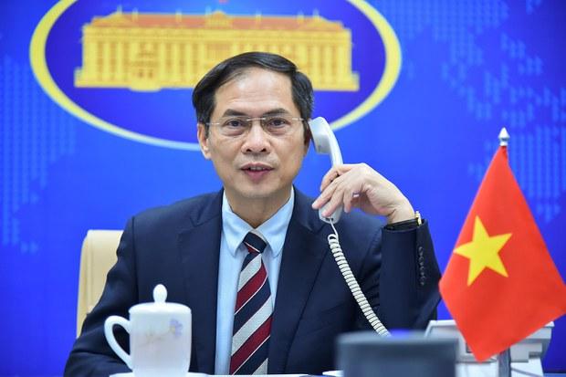 Việt Nam nhận vắc-xin Sinopharm và trang thiết bị y tế do Quảng Tây viện trợ