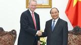 Thủ tướng Việt Nam Nguyễn Xuân Phúc tiếp ông Eric Schmidt, Chủ tịch điều hành Tập đoàn Alphabet (công ty mẹ của Google) hôm 26/5.