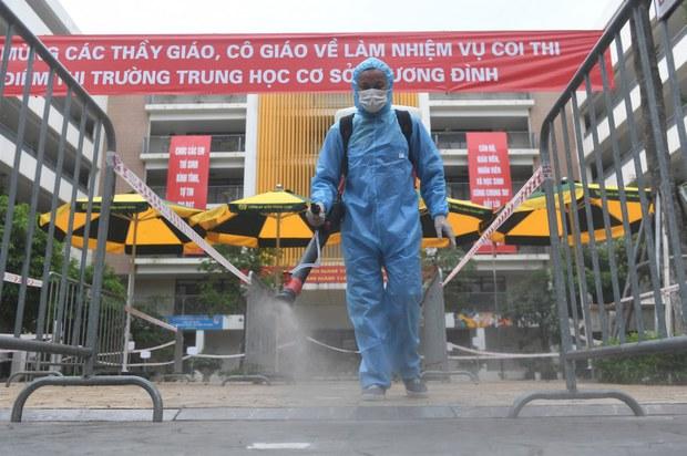 Việt Nam đặt mục tiêu kiểm soát dịch COVID-19 vào cuối năm 2021