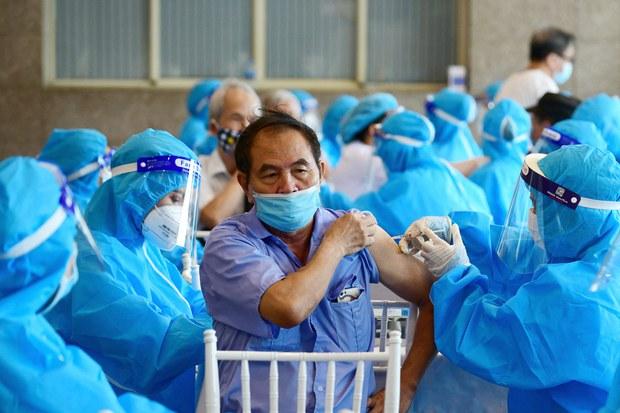 Hà Nội: Hơn một triệu mũi tiêm vắc-xin ngừa COVID-19 thực hiện trong cuối tuần